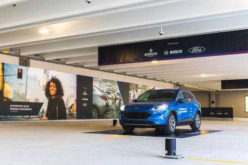博世、福特和地产商Bedrock在底特律亮相自动代客泊车技术