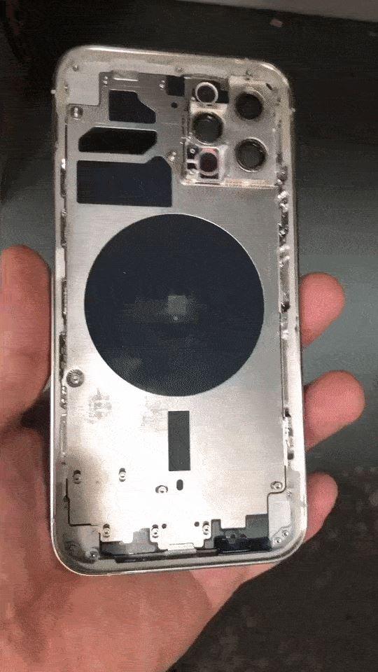 iPhone 12 Pro Max手机壳曝光:苹果史上最大手机没跑了