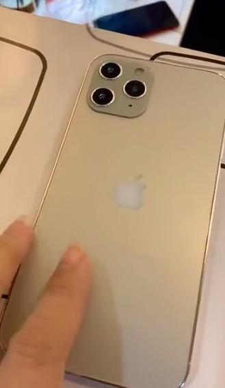 疑似iPhone 12真机曝光:简直就是苹果4复刻
