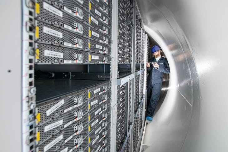 微软实验把资料中心保存在海底!故障率仅是陆地上的八分之一