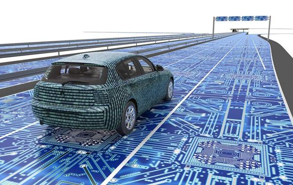 央视体验百度全无人驾驶,李彦宏预测5年后将全面商用