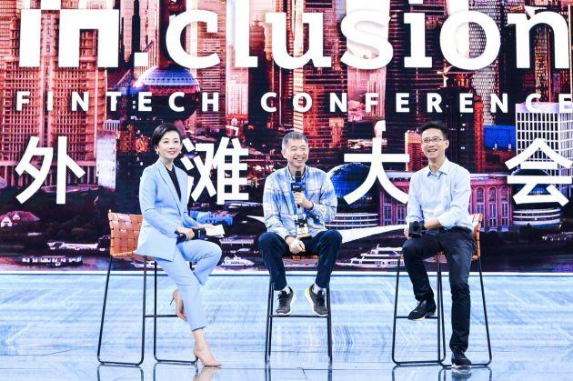 王坚对话胡晓明:技术要保证世界上该被帮助的人一个都不能少