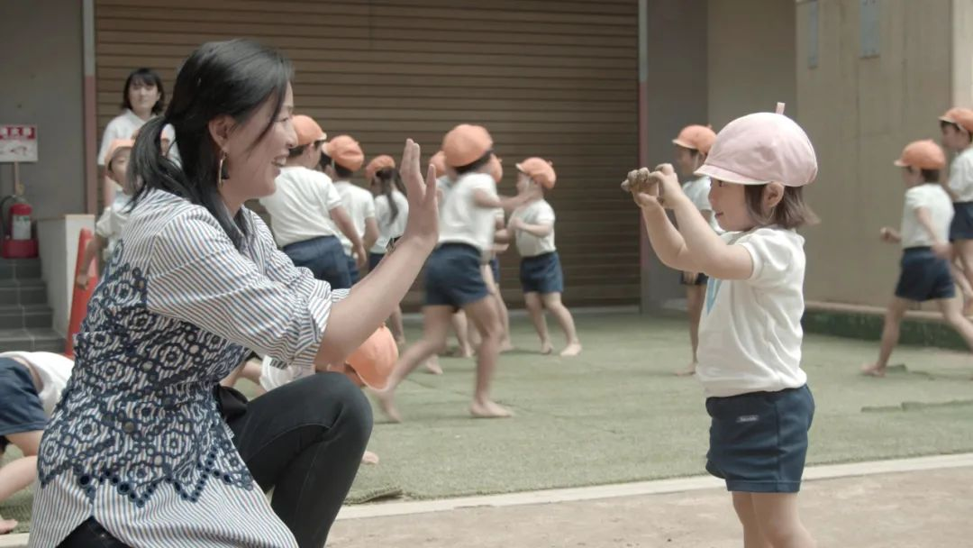 从战地女记者到豆瓣9分纪录片导演,周轶君谈何为最好的教育