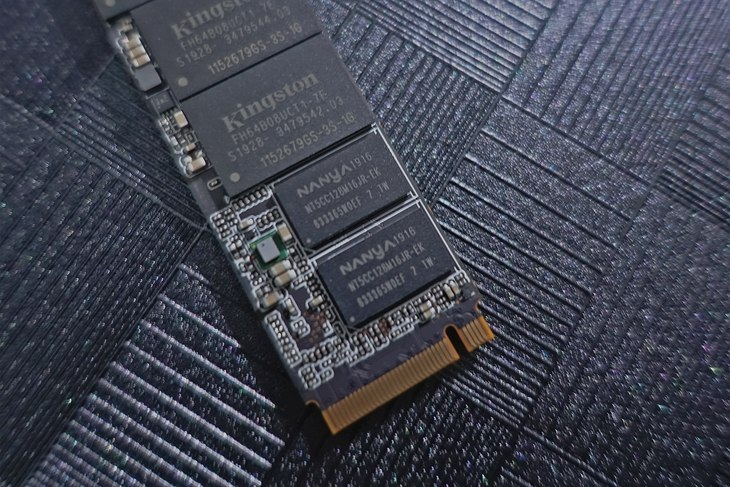 金士顿硬盘质量怎么样(金士顿KC2000M.2NVMe固态硬盘评测)