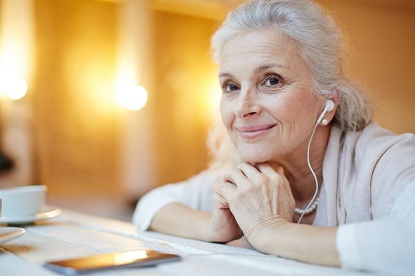 """90岁也疯狂,""""网瘾""""奶奶们收包裹收到手软"""