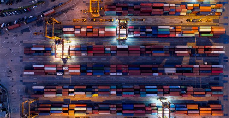 缺柜之下,该国允许集装箱往返使用,卸货后集装箱不用归还港口,大大缩短交货时间