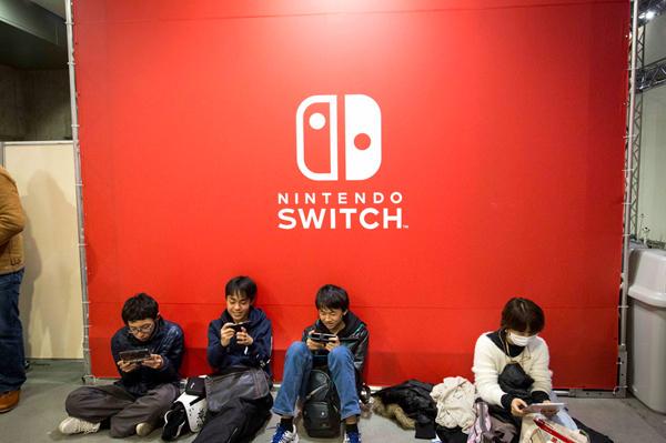 游戏热潮持续,任天堂上调Switch销量预期至2400万台