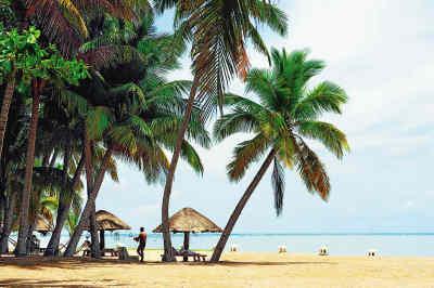 三亚暂停涉海旅游及海上游乐项目