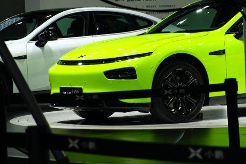 """小鹏汽车发布P7""""鹏翼版""""售36.69-40.99万元 下一代自动驾驶将搭载激光雷达"""