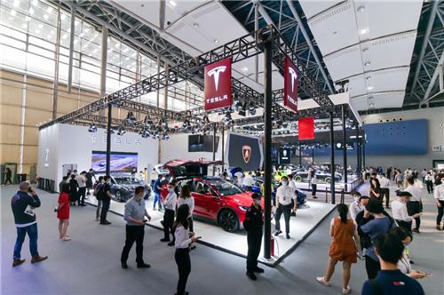 【安卓优化大师好用吗】_特斯拉携三款主力车型亮相广州车展