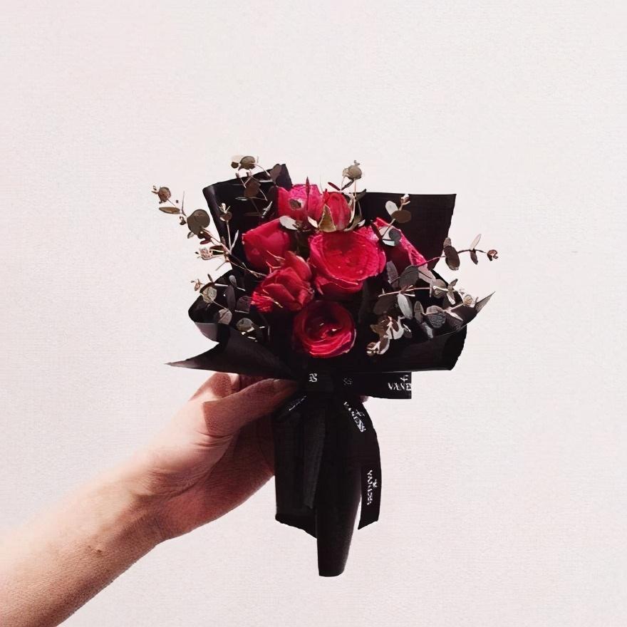 关于爱情的唯美句子-简短唯美的爱情语录