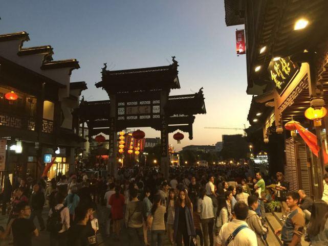 一句话形容南京美-赞美南京的现代诗