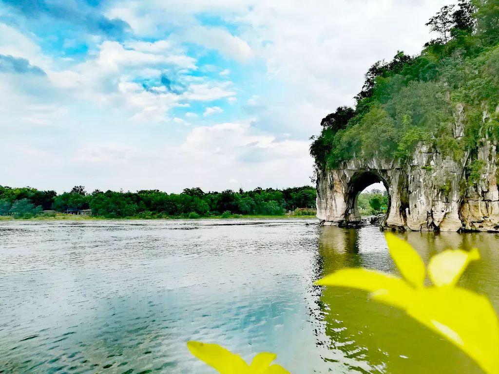 赞美桂林山水的短句有哪些-描写桂林山水美景如画的精美句子