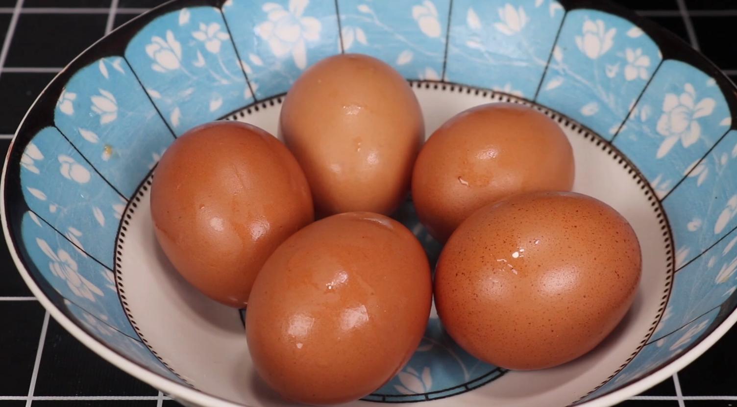 煮荷包蛋只服这一招,一锅煮6个,又圆又完整,营养好吃健康