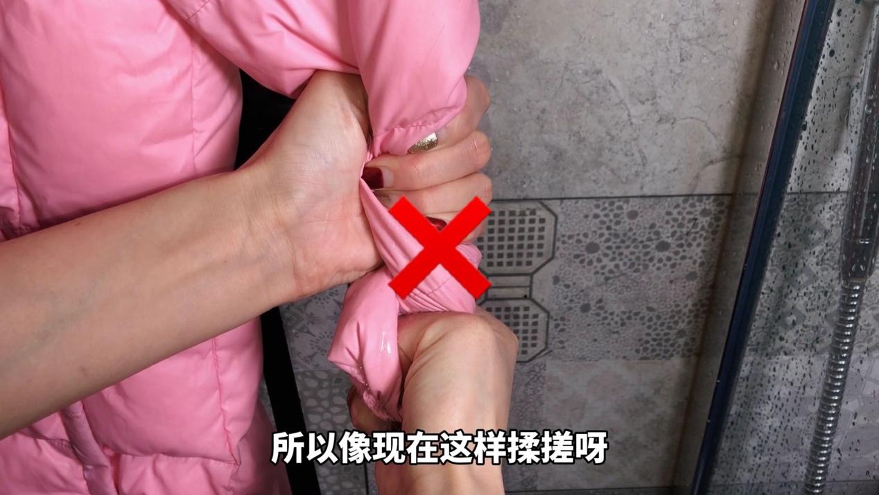 羽绒服不要干洗,教你自己在家洗羽绒服,洗厚的羽绒服干净又保暖