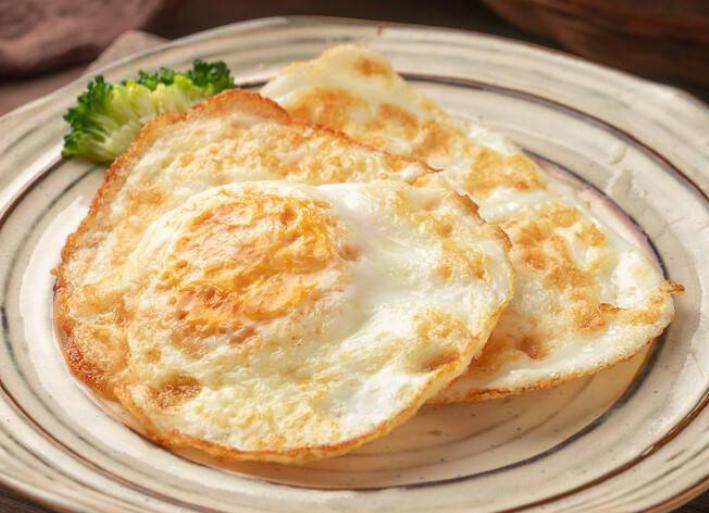 煎荷包蛋时这样做,外焦里嫩,个个圆润完整不粘锅,口感更完美