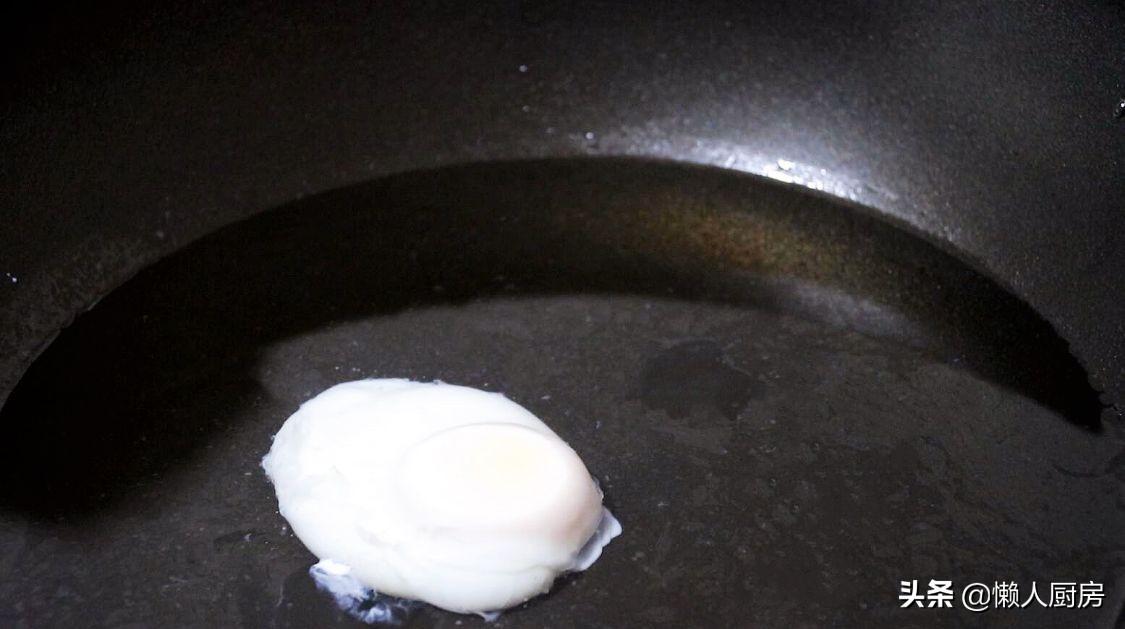 煮荷包蛋的2种做法,切记不要直接下锅煮,教你一招,一个都不散
