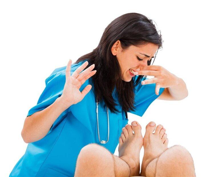 为什么天天洗脚换袜子,脚还是臭?5种方法,或能帮你摆脱脚臭