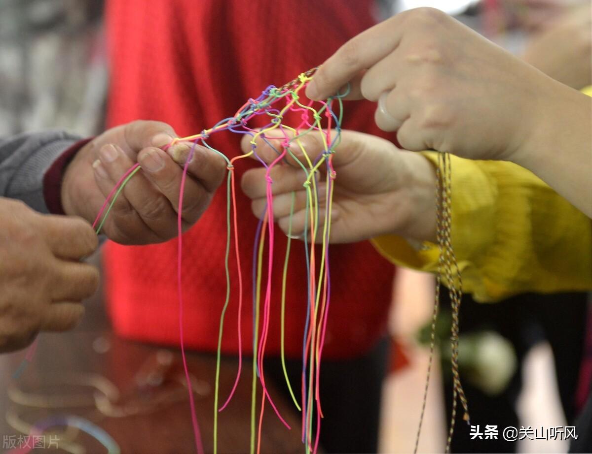 """端午习俗,农村老话说:""""三午系彩绳,郎中跑断腿"""",啥意思?"""