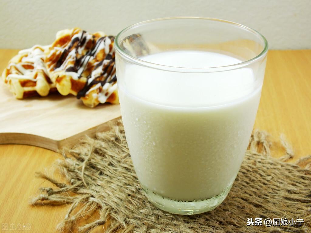 全脂、低脂、脱脂牛奶,除了脂肪含量,还有什么区别?别再喝错了