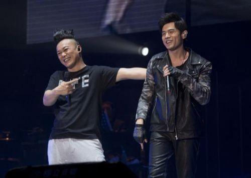 陈奕迅加盟《中国新歌声》第二季,周杰伦将三度担任导师