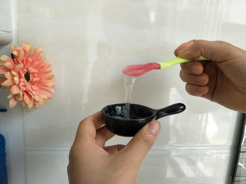 """别再浪费钱买胶水了,自制胶水只要用到家里的""""它"""",太好用啦"""