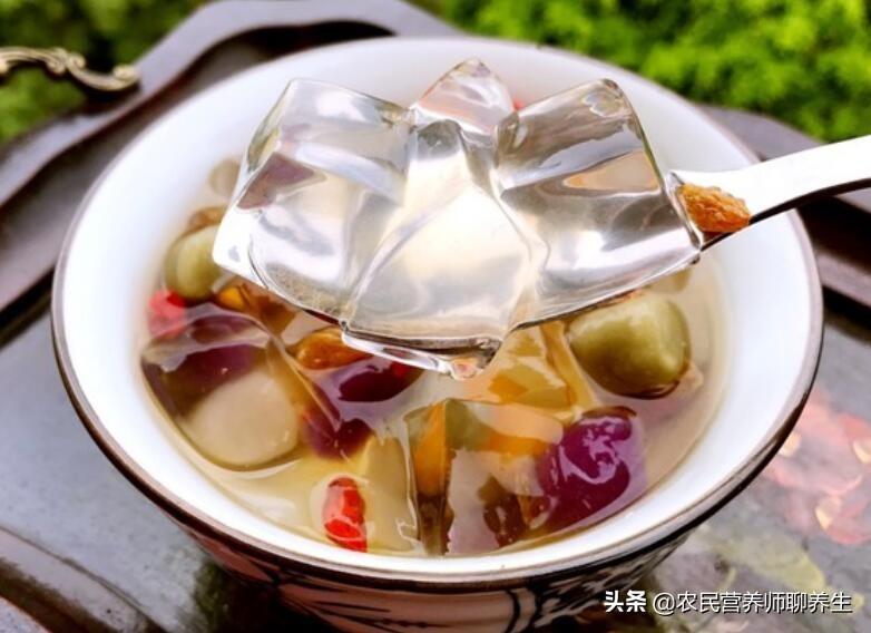 太热了吃碗冰粉凉爽,它是用什么做的呢,就在你身边了解一下